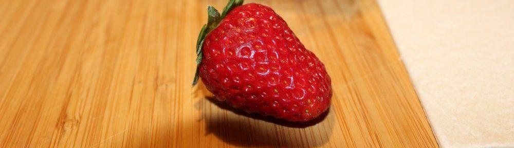 Die schwebende Erdbeere!
